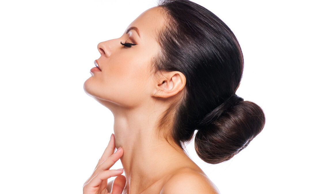 How to effectively treat jowls and loose neck skin